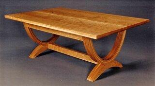 U-curve Coffee Table