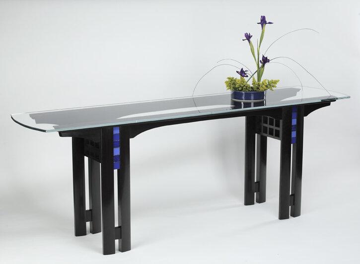 Ikebana Table.