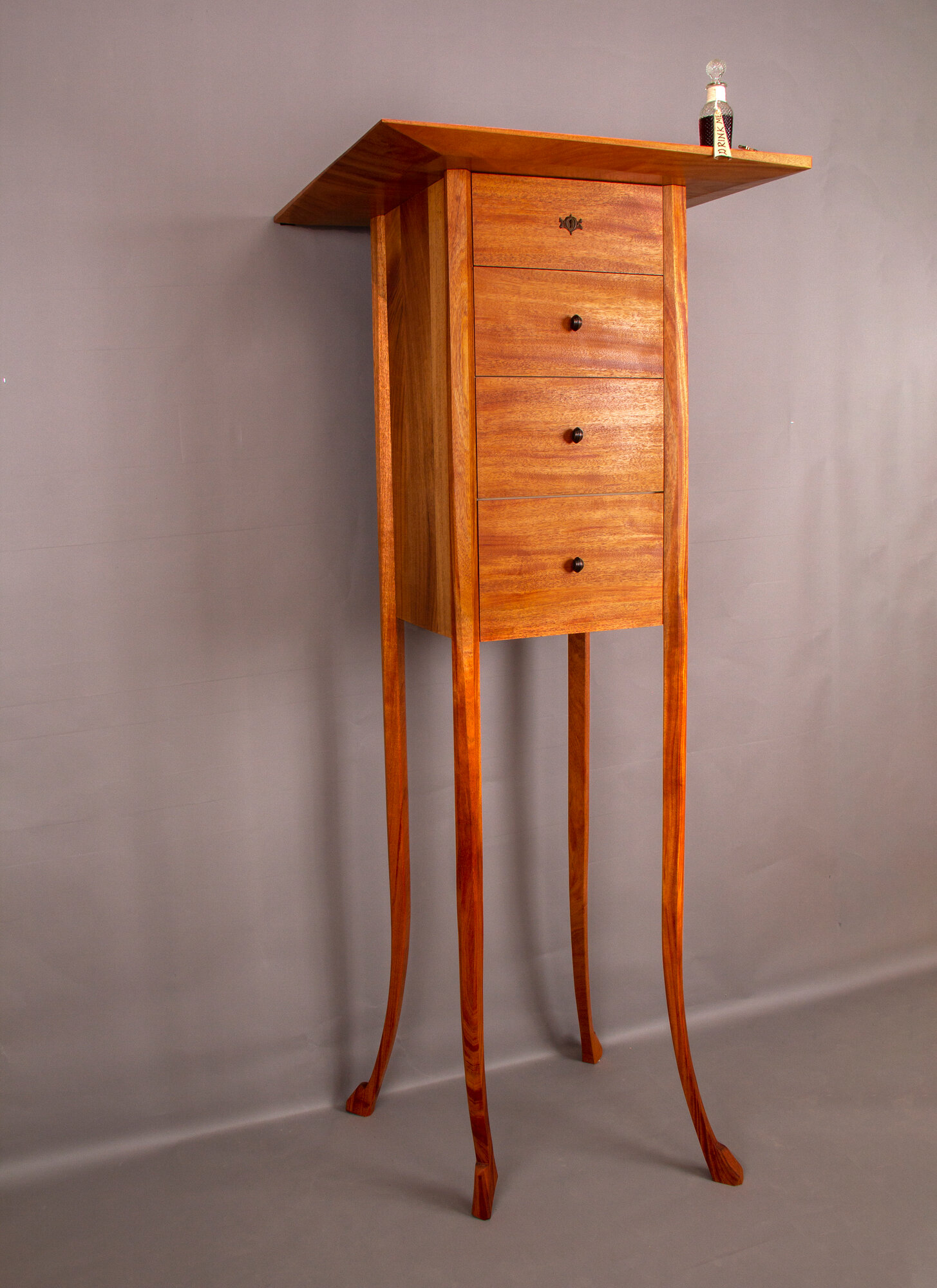 Alice Chest of Drawers