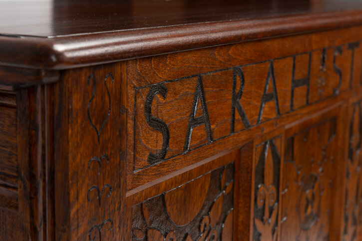 Sarah Strong Chest Replica detail