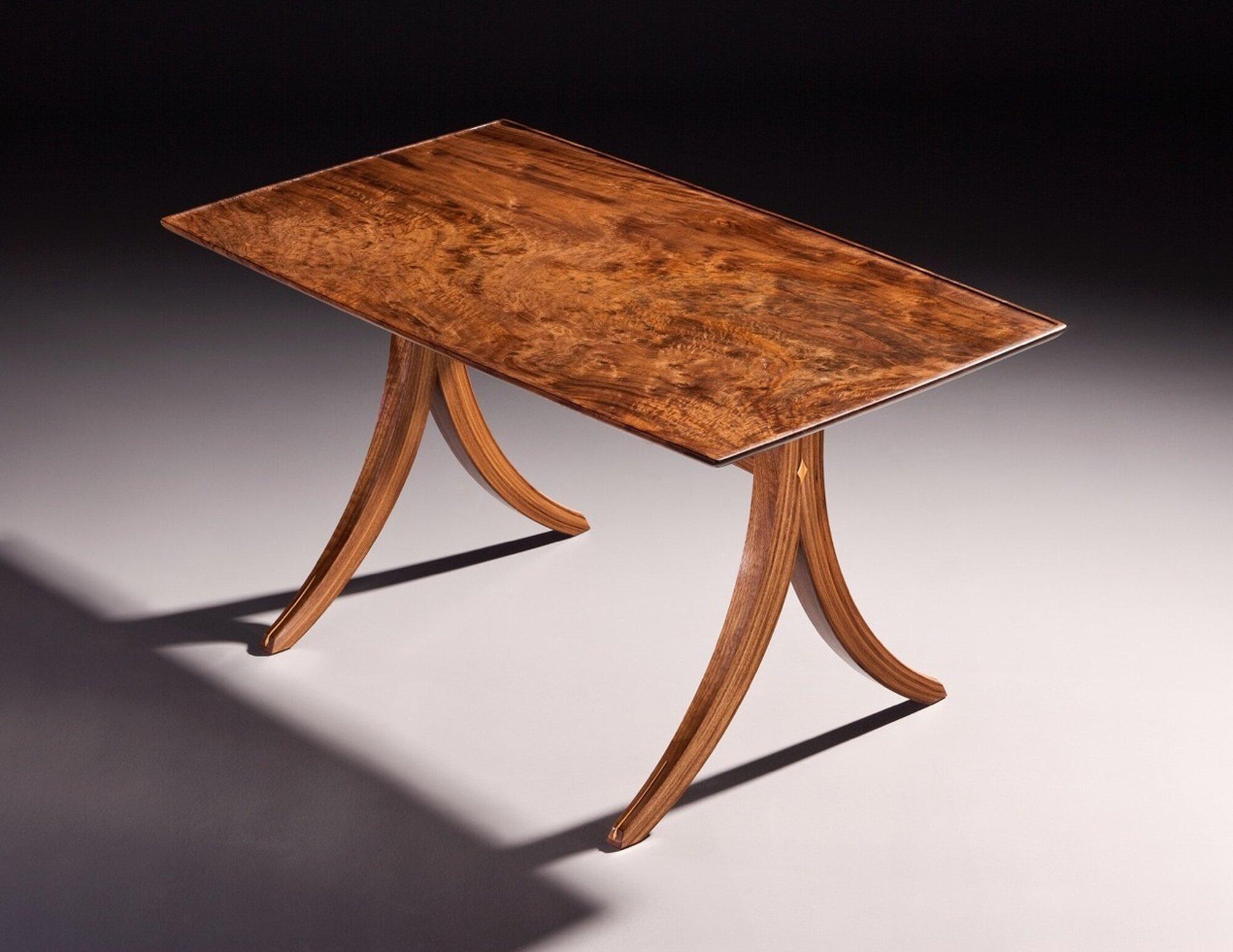 Den Table
